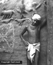 Muria boy in front of ghotul 